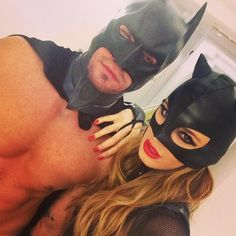 Catwoman and Batman Couples Halloween, Couple Halloween Costumes, Fall Halloween, Halloween Makeup, Halloween Ideas, Sexy Couples Costumes, Adult Costumes, Catwoman Cosplay, Couple Style