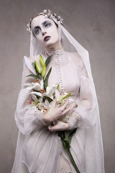 * The Look: Louise Ebel aka Miss Pandora *