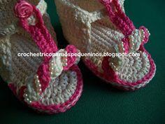 Boa tarde !!  Sandália de crochê para bebe - Passo a Passo   tamanho de 03 a 05 meses  usei o fio Bella da Pingouin  A...