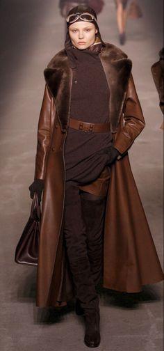 Brown Fashion, Leather Fashion, High Fashion, Winter Fashion, Fashion Show, Womens Fashion, Fur Fashion, Paris Fashion, Mode Style