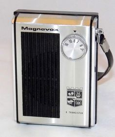 https://flic.kr/p/RagGX6 | Vintage Magnavox Transistor Radio, Model 2-AM-811, AM Band, 8 Transistors, Made In Japan, Circa 1968