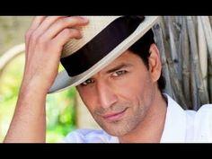 Sakis Rouvas - no 1 Greek pop singer Beautiful Men, Beautiful People, Stephen James, Pop Singers, Hats For Men, Panama Hat, Gentleman, Athlete, Eye Candy