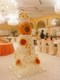 <b>Extreme</b> Wedding <b>Cake</b> 2