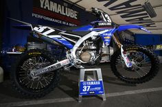 Cooper Webb – 2014 Bikes of Supercross – Motocross Immagini – Vital MX Source by seeyouatheraces Dirt Bike Racing, Motocross Bikes, Dirt Bikes, Cars Motorcycles, Yamaha, Automobile, Bicycle, Pictures, Girls