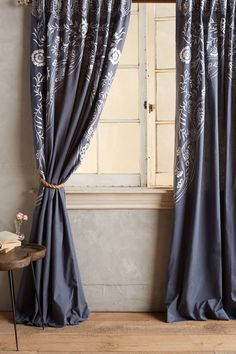 Dream House Anthropologie - Raum- & Wanddekoration Glass and Chandeliers - Colored Glass Lighting Th My Living Room, Living Spaces, City Living, Anthropologie Curtains, Anthropologie Uk, Home Curtains, Bohemian Curtains, Grey Room, Cottage Interiors