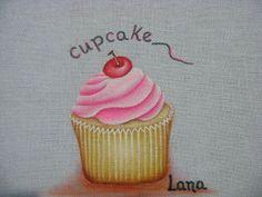 Pintura em tecido: Como pintar cupcake em panos de cozinha