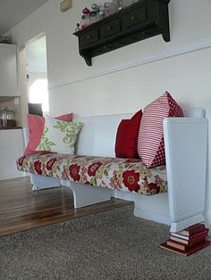 Upholstered church pew = so cute. #LivingRoom