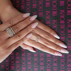 """6,023 """"Μου αρέσει!"""", 75 σχόλια - Mona Monica Kattan (@monakattan) στο Instagram: """"Love these nails!!! @dollhousedubai"""""""