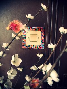 Such a simple idea... I really want to dress up all the light switches now!