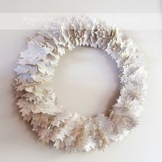 DIY old dictionary page, maple leaf wreath–for early autumn  http://www.keepingwiththetimes.com