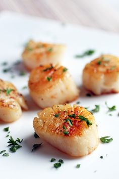 Pan-Seared Scallops {uses coconut oil, not butter}