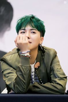 Mino - Winner - Kpop I thought no one could pull of green hair. o_o
