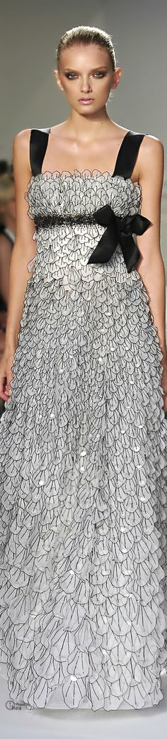 Oscar de la Renta ~ Spring Black + White Scalloped Maxi Dress  2015