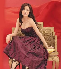 Lynn Hung (born 10 October 1980), sometimes credited as her birth name Xiong Dailin, is a Chinese model and actress. Description from funbaath.blogspot.com. I searched for this on bing.com/images