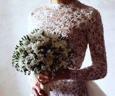 #lace #longsleeve #bouquet #whiteflowers #delicate