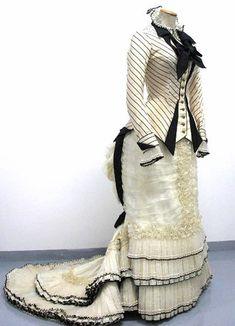 Anna's 1880-style dress, from the film Anna Karenina (1997). Designed by Maurizio Millenotti. Tirelli Costumi.