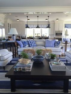 Awesome 66 Beautiful Coastal Themed Living Room Decorating Ideas To Makes Your Home Cozy. More at https://trendecorist.com/2018/02/27/66-beautiful-coastal-themed-living-room-decorating-ideas-makes-home-cozy/
