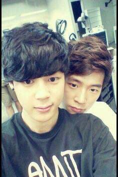 Jimin with Seung Jun from KNK  I love ChimChim's hair *-*