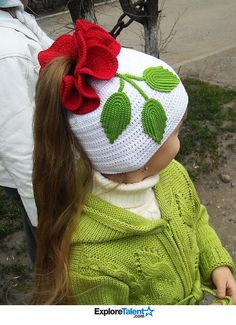 White Ponytail Hat with Flower free crochet graph pattern. It just hit me: Why crochet an entire hat, when I could start with a ready-made and re-style it? Bonnet Crochet, Crochet Beanie, Love Crochet, Knit Or Crochet, Crochet Crafts, Crochet Projects, Crochet Flower, Hat Flower, Beautiful Crochet
