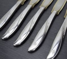 Oneida Twin Star Steak Knives 5pcs Community by TheRecycleista