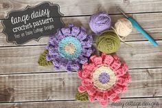 Large Flower Crochet Pattern Tutorial, thanks so xox   ☆ ★   https://www.pinterest.com/peacefuldoves/