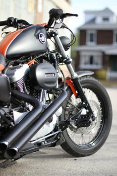Sportster with drag pipes , sweet Harley Davidson Sportster 883, Hd Sportster, Harley Davidson Motorcycles, Custom Harleys, Custom Bikes, Bobbers, Choppers, Hd 883 Iron, Milwaukee