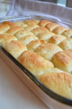 The Virtual Goody Plate: Parker-Parker House Rolls -- Homemade. I can't believe I'm going to attempt these, but I am. Today. For supper club, tonight, which happens to be Thanksgiving-themed, of course. // Turned out great, lots of compliments, and not difficult!