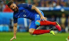 Giroud could miss France's semi-final against Germany France Team, Knee Injury, Semi Final, European Football, Finals, Germany, Final Exams, Deutsch, European Soccer