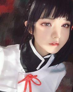 These beautiful girls look like dolls in real life. Anime Cosplay Girls, Kawaii Cosplay, Cute Cosplay, Amazing Cosplay, Cosplay Outfits, Best Cosplay, Cosplay Costumes, Simple Cosplay, Cosplay Diy