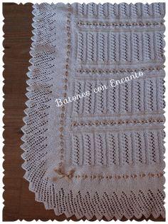 Buenas tardes chicas.... por fin os puedo enseñar la colchita que terminé hace unas semanas. Es como la primera que hice y os puse el Tutorial,solo que le he intercalado un nuevo punto en un tono beige más oscurito para que se diferenciara bien. Tutorial colcha bebé. Está tejida con agujas del nº 2,5 y en hilo de DMC ( n ... Knitted Blankets, Baby Blankets, Chevron, Knit Crochet, Projects To Try, Knitting, Home Decor, Jersey Bebe, Fitness