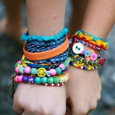 friendship bracelets-end of year activity! Everyone makes a friendship bracelet at school and puts into a bag and pulls one out! Everyone will have a bracelet to remember the year!!;)