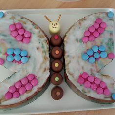 Meine Motte ganz alleine dekoriert.  #kuchen #schmetterling #smarties #butterfly…