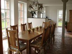 großer Wohn-/Essbereich Dinning Table