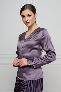 Just my little place to share things I find beautiful. Satin Top, Silk Satin, Satin Bluse, Purple Satin, Beautiful Blouses, Blouse Outfit, Hot Dress, Satin Dresses, Sexy Women