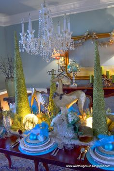 Blue Green Christmas tablescape - I especially like the reindeer!  (via Worthing Court blog) ~~<>~~ (holiday, Xmas, decor, plates)