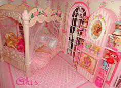 Bedroom of Barbie Magical Mansion by Mattel, 1990