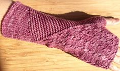 Vino fingerless mitts : First Fall 2013 #knit #free_pattern