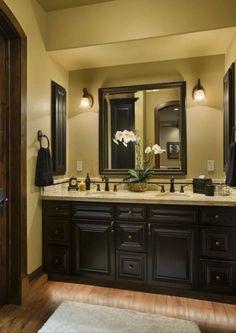 Dark cabinets, light countertop @ home design ideas Casa Magnolia, Magnolia Homes, Home Interior, Interior Design, Bathroom Interior, Design Bathroom, Bathroom Furniture, Interior Ideas, Vanity Design