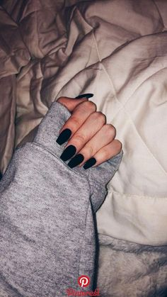 25 Beautiful nails desing ideas to copy right now Black Acrylic Nails, Black Coffin Nails, Matte Black Nails, Best Acrylic Nails, Black Nails Short, Black Almond Nails, Black Acrylics, Black Hair, Black Nail Designs