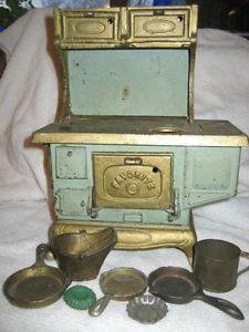 """Vintage toy stove   Antique Kenton Toy Stove """"Favorite"""" with Accessories and Lids   eBay"""