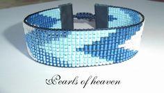 bead loom blue, mit Miyuki Delicas gefädelt