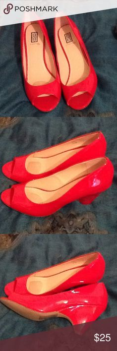 Signature fabulous ruby red 3 inch heel,brand new! Never used! Too tall for. Love the red color. Signature Shoes Heels