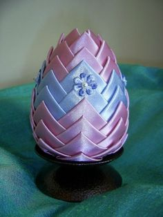 Easter egg Handmade Decorations, Easter Eggs, Jar, Carved Eggs, Jars, Glass, Handmade Ornaments