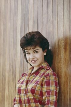 Girl Actors, Actors & Actresses, Annette Funicello, Father Daughter Relationship, Mickey Mouse Club, Celebrity Portraits, Celebrity Beauty, Western Shirts, Celebs
