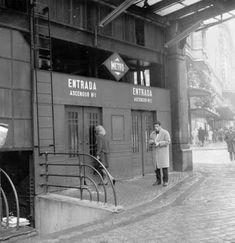 Ascensores de la estación de Gran Vía vistos por el lado Gran Vía. Foto Memoria de Madrid Madrid Metro, Barcelona City, Old Pictures, Spain, Street View, Europe, History, Photography, Travel