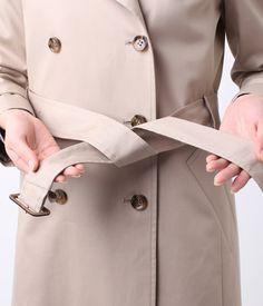 写真でわかる!トレンチコートベルトの結び方定番4パターン – lamire [ラミレ] Coat, Jackets, Women, Style, Fashion, Womens Fashion, Women's, Stylus, La Mode