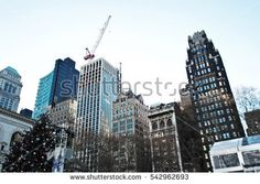 Manhattan streets and buildings in New York, NY photography ideas.