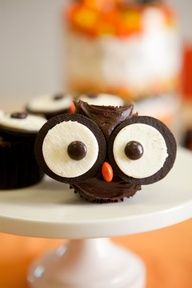 owl cupcake with oreo eyes and m's