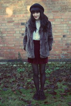 She is so pretty! Girly Outfits, Cool Outfits, Fall Winter Outfits, Winter Fashion, Velvet Skirt, Skater Style, Grunge Fashion, Dark Fashion, Cool Jackets