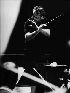 Carlos Kleiber, Carlos Kleiber war ein Dirigent österreichisch-amerikanischer Abstammung. Kleiber war zunächst und ab 1980 wieder österreichischer Staatsbürger. Er lebte bis 1935 und erneut ab 1953 in Deutschland.